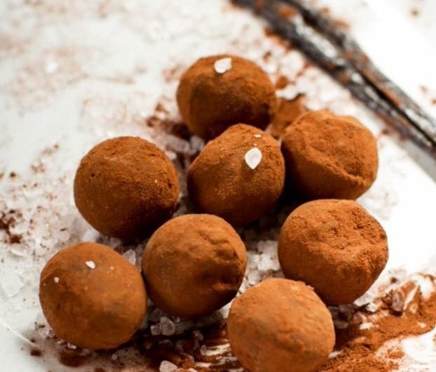 Dusted Chocolate Truffles
